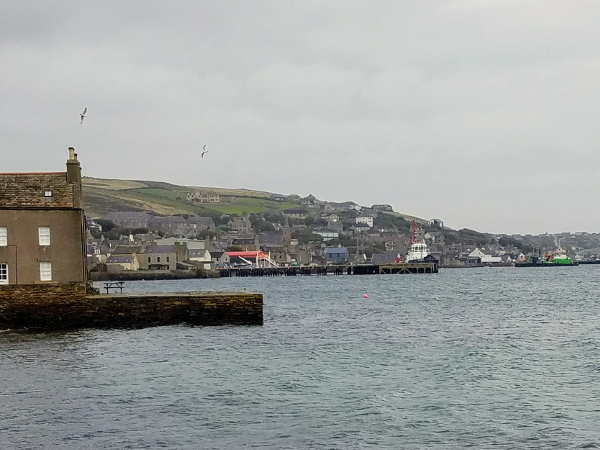 Touring Scotland – A Morning Stroll through Stromness